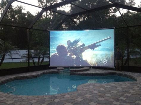 Backyard Projector Screen by 17 Best Ideas About Outdoor Projector On