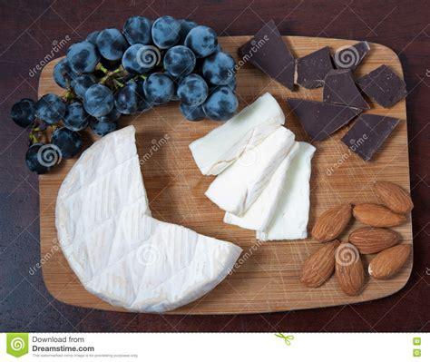 Almond Slice Blue Berkualitas almonds in chocolate royalty free stock photography cartoondealer 15850163