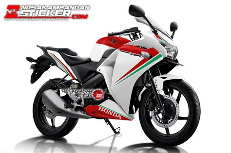 Sticker Honda Cbr 150 K45 Carbon 1 decal motor honda cbr k45 nusakambangan sticker