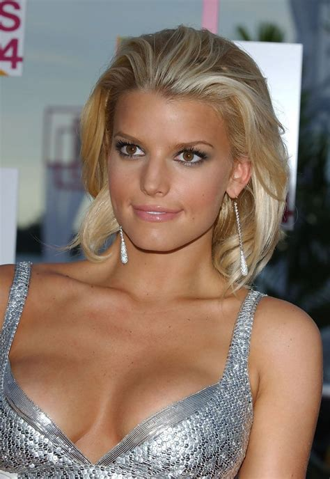is jessica simpson a natural blonde jessica simpson loving the hair color blonde