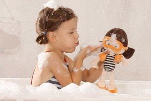 baby dolls that can go in the bathtub monitub a bath that weighs your baby
