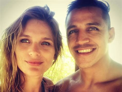 alexis sanchez mayte meet man united star alexis sanchez s girlfriend mayte