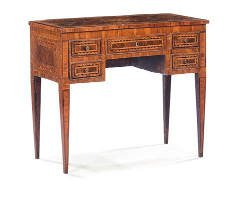 scrivania luigi xvi piccola scrivania luigi xvi lastronata ed intarsiata