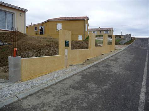 Construire Un Mur De Cloture 4067 by Mur De Cloture Sur Terrain En Pente 11 Messages