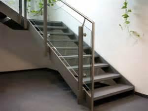 treppe mit glas vulkan schmiede treppen und gelaender 006 treppe aus