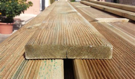 pavimenti per esterno in legno decking pavimento in legno pavimento in legno per