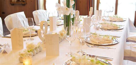 Tischdeko Creme Hochzeit by Hochzeitsdeko In Creme Klassische Hochzeit Weddix