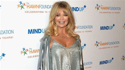 goldie hawn is how old goldie hawn age how old is kate hudson s mom heavy