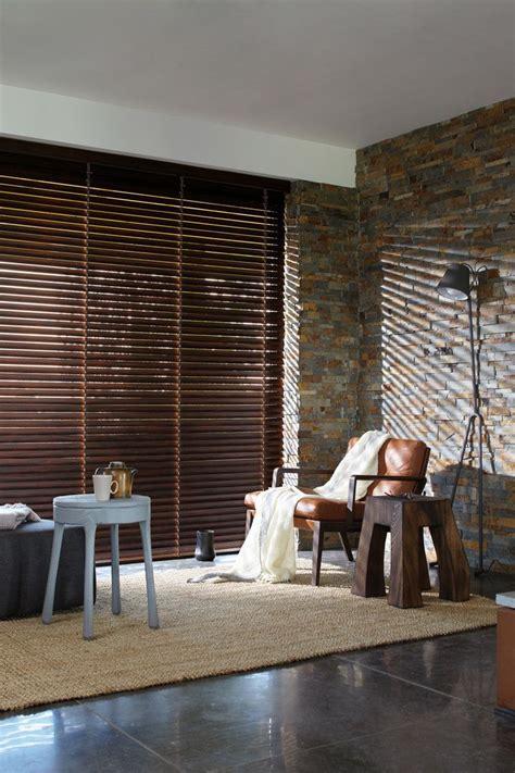 houten jaloezieen bruin luxaflex 174 houten jaloezie 235 n hout bruin interior