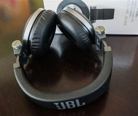 Headset Jbl E50bt Jbl Synchros E50bt Headphones Review Technabob