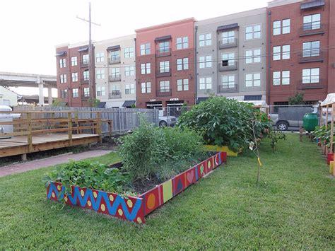 low cost backyard ideas low cost backyard landscaping ideas on a budget