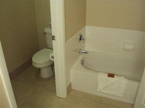 Bathroom Facilities by Bathroom Facilities Picture Of Tuscany Suites Casino