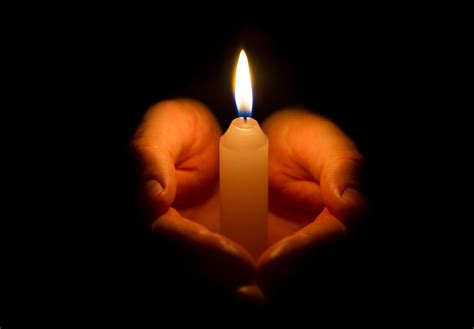 Light A Candle When Someone Dies by Express Your Condolence With These Sympathy Verses For