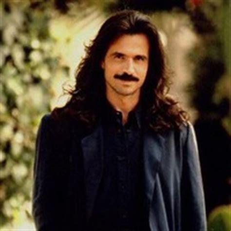 Biography Yanni   artist profile yanni bio