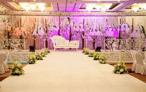 Wedding Organizer In Dubai by Oasis Weddings At Radisson Hotel Dubai Deira Creek