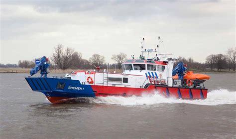 fire boat fighting fire fire fighting vessel for both fire fighting emergency duties
