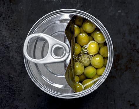 alimenti conservati pancia gonfia meglio evitare cibi conservati o in