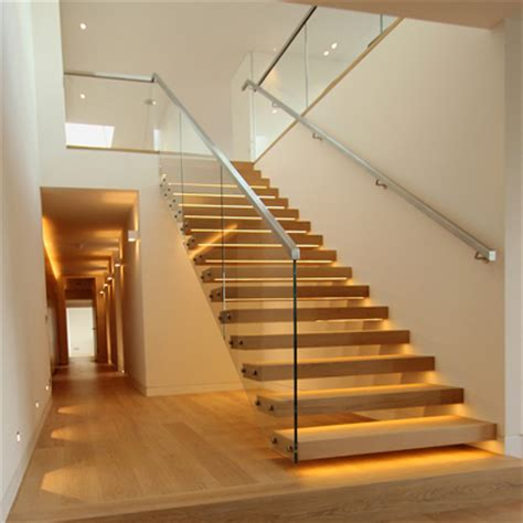 holztreppe gerade cantilever staircase for penthouse apartment