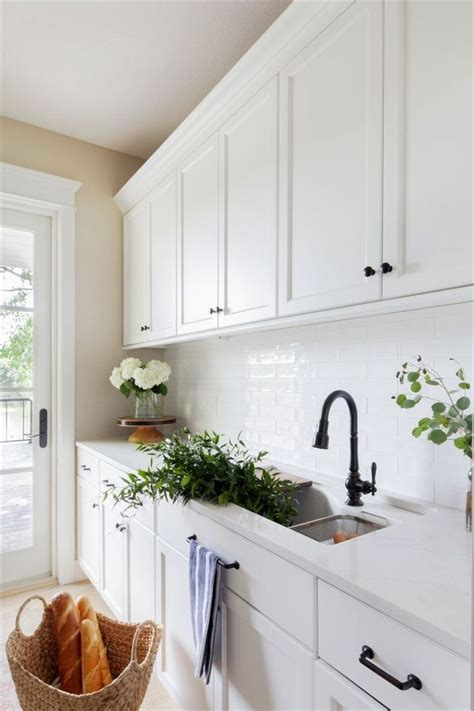 lakeview home butlers pantry  loren loloi patterned