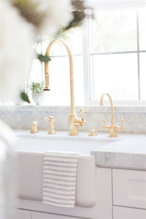 white cabinets with gold hardware best 25 gold kitchen hardware ideas on gold