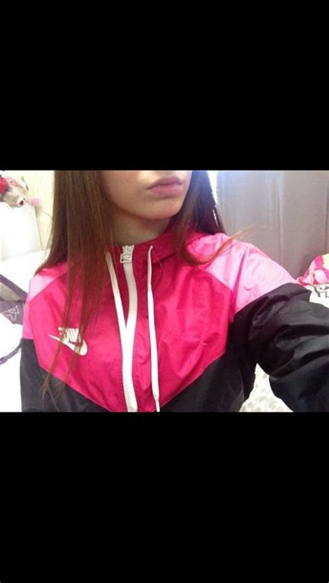 Jaket Sweater Hoodie Nike Black jacket nike jacket pink nike nike windbreaker nike windrunner nike sweater coat nike