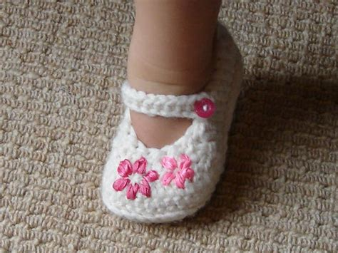 free crochet patterns baby shoes 45 adorable and free crochet baby booties patterns