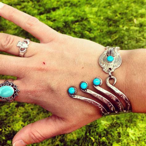 Silverware jewelry. Awesome.   My Style   Pinterest   Bestick, Smycken och Hantverk