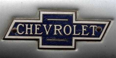 logo chevrolet chevrolet logo design and evolution