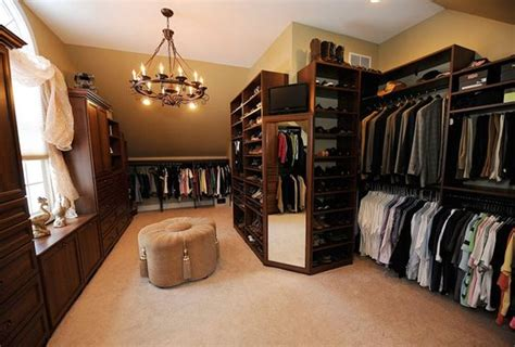 spare bedroom into walk in closet clarkston couple turns spare room into spacious luxurious