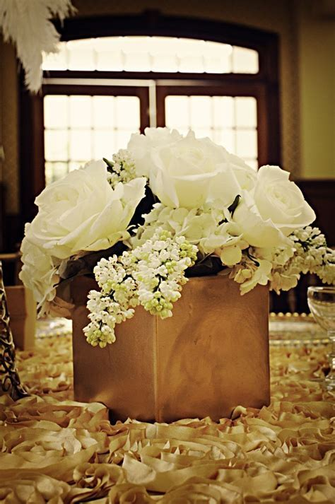 25  best ideas about Gold centerpieces on Pinterest   Gold