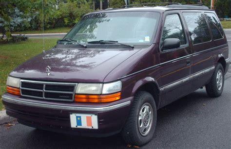 how things work cars 1992 dodge spirit instrument cluster file 92 93 dodge caravan short wheelbase jpg wikimedia commons