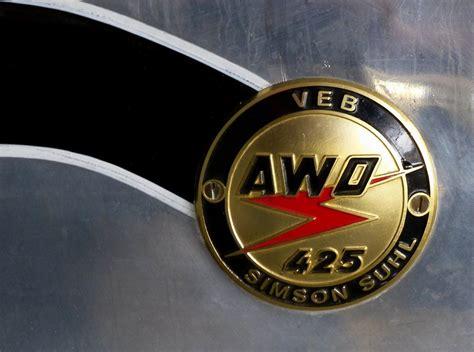 Awo Motorrad Logo by Awo 425 Tankemblem An Einem Oldtimer Motorrad Der Veb