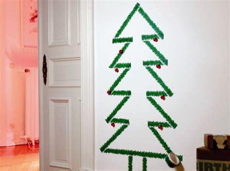 Impressionnant Journal Decoration Maison #3: Sapin-de-noel-a-scotcher-au-mur.jpg