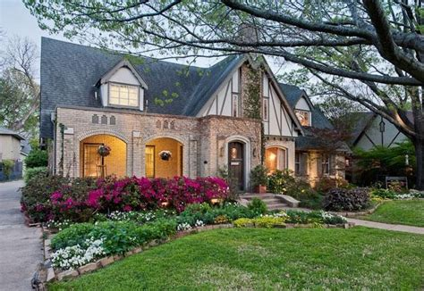 curb appeal on a dime nice houses house and coming home nice curb appeal houses i could live in pinterest