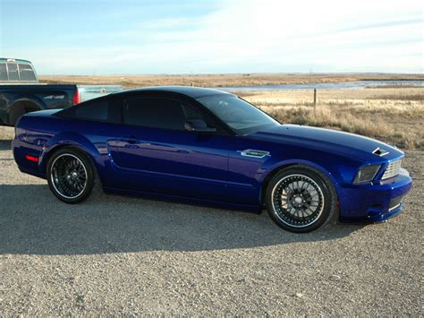 m5lp 0704w 06 z v12 ford mustang rear view photo 9273138