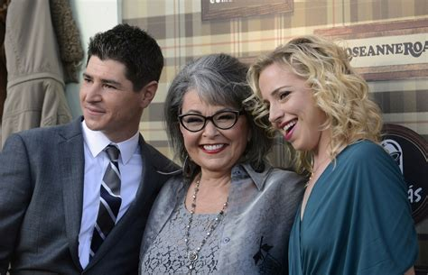 most popular tv shows set in illinois 90s tv show roseanne to return with original cast for