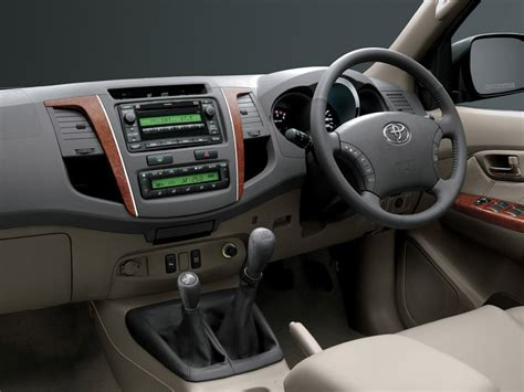 2012 toyota fortuner in india a review indiandrives