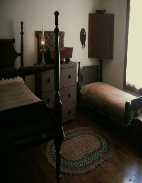 Primitive Bedroom Furniture 145 Best Primitive Colonial Bedrooms Images On Prim Decor Country Primitive And