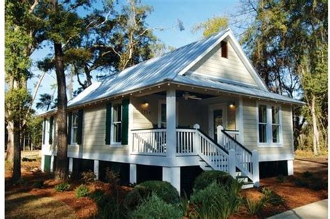 Cottage House Plans by Cottage Style House Plan 3 Beds 2 Baths 1025 Sq Ft Plan