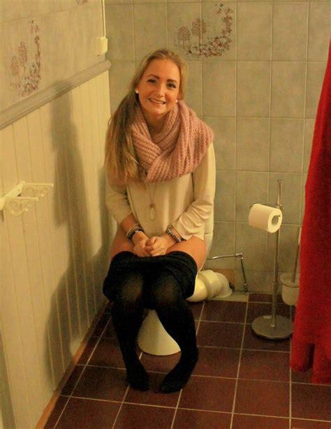 teen public toilet pessing girls on toilet girlsontoilet twitter