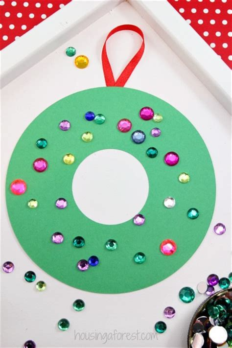 Easy Construction Paper Crafts For - construction paper wreath housing a forest