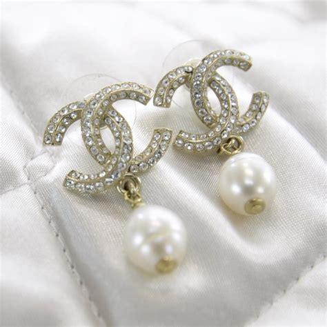 chanel swarovski cc pearl dangle earrings 30934
