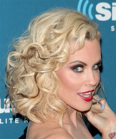 jenny mccarthy view dark hair hairstyle of jenny mccarthy on the view