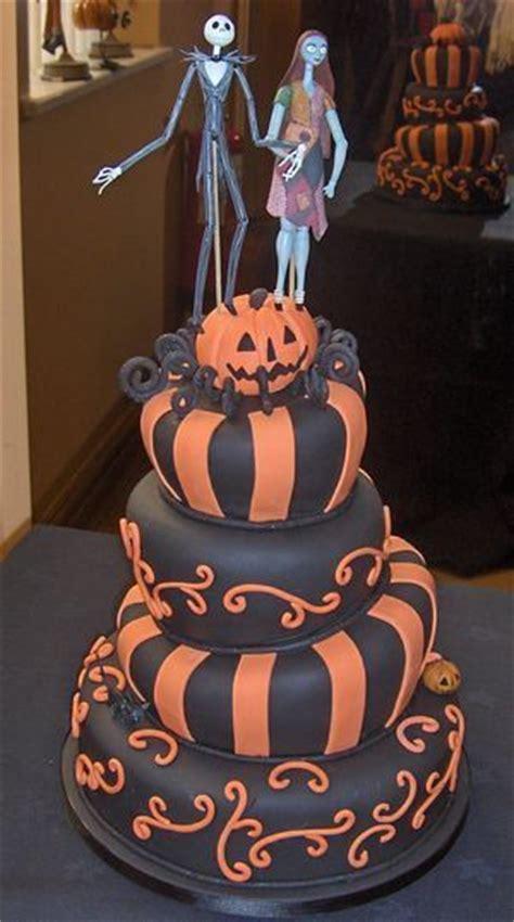 halloween themed cakes halloween cake cool cakes pinterest
