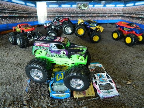 monster jam monster trucks toys monster jam monster truck jumps toys youtube