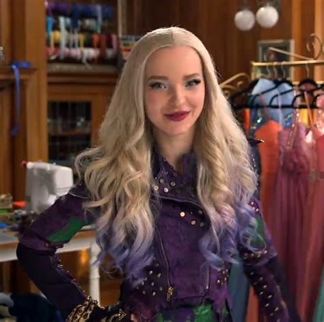 mal hair mal i love her hair and her outfits descendants 2