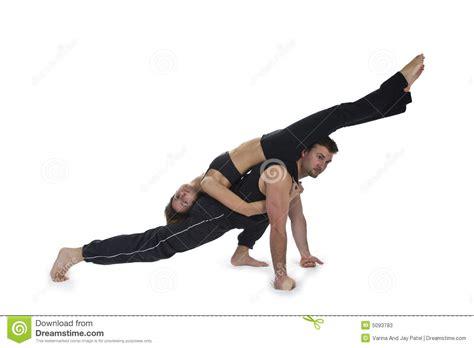imágenes de yoga con dos personas yoga para dos serie imagen de archivo imagen de energ 237 a