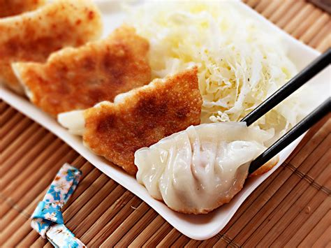 Best Seller Almond Crispy Chesee Homade how to make japanese style pork and cabbage dumplings
