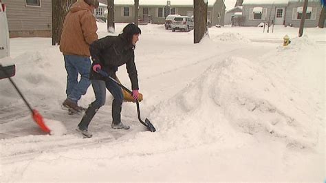 Fox 11 Snowblower Giveaway - neighbors make a difference in communities after winter storm bailey wluk