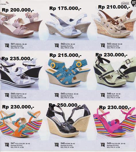 Sepatu Casual Wanita R 868 ayla collection sepatu casual wanita edisi tahun 2014